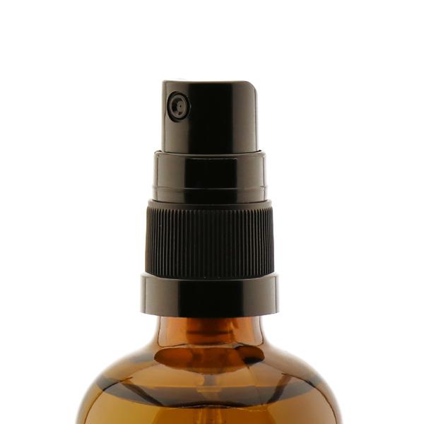 Raumduft 100ml im Sprühdispenser, mit 100% Zirbenöl Raumduft Zirbe mit 100% naturreinem, ätherischen Zirbenöl. Schafft ein erholsames Raumklima und wirkt beruhigend und schlaffördernd. In der Glasflasche mit Sprühdispenser mit Pumpsprühkopf. Hergestellt in Österreich